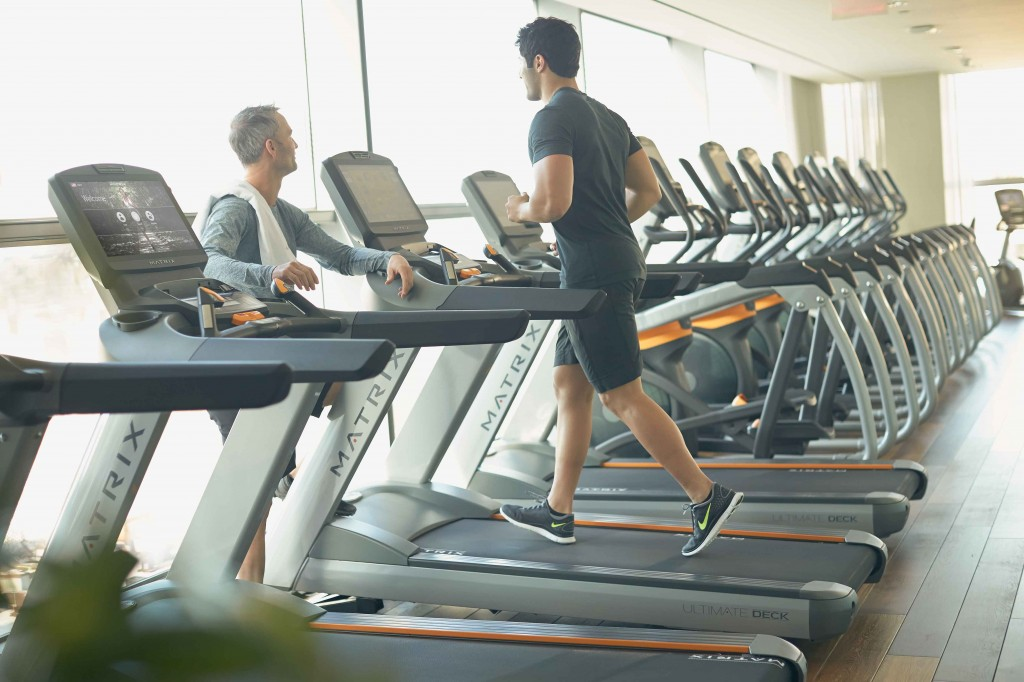 MX14_LIFESTYLE_male-and-male_converse_treadmill_toronto_sm