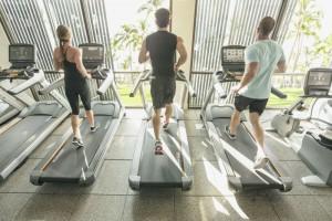 MX14_LIFESTYLE_group on treadmills_back_close_hawaii_sm