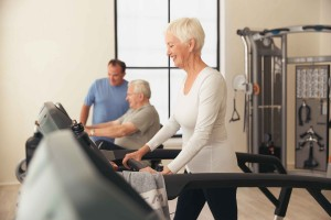 MX15_LIFESTYLE_AA_female walk on treadmill_older_lores